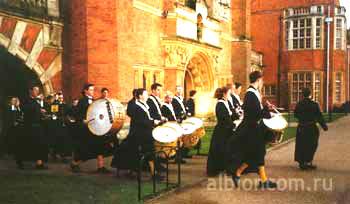 Парад в британской школе.
