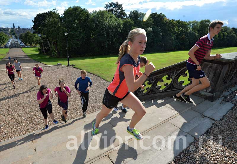 Студенты Fettes College на занятиях спортом