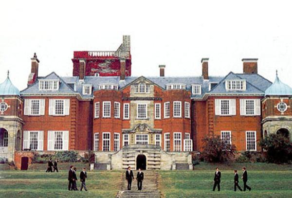 Британская школа-пансон Pangbourne College: albioncom.ru/schools/england/catalog/?id=196